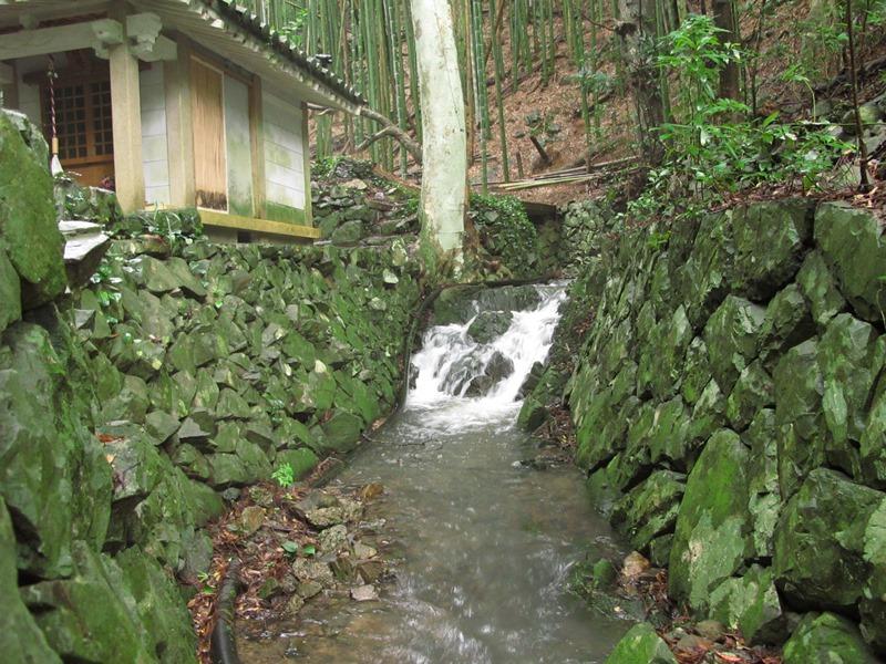 弘法の滝の上流も見ごたえがあります。